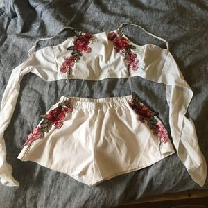 2 Piece crop top and shorts with rose patterns